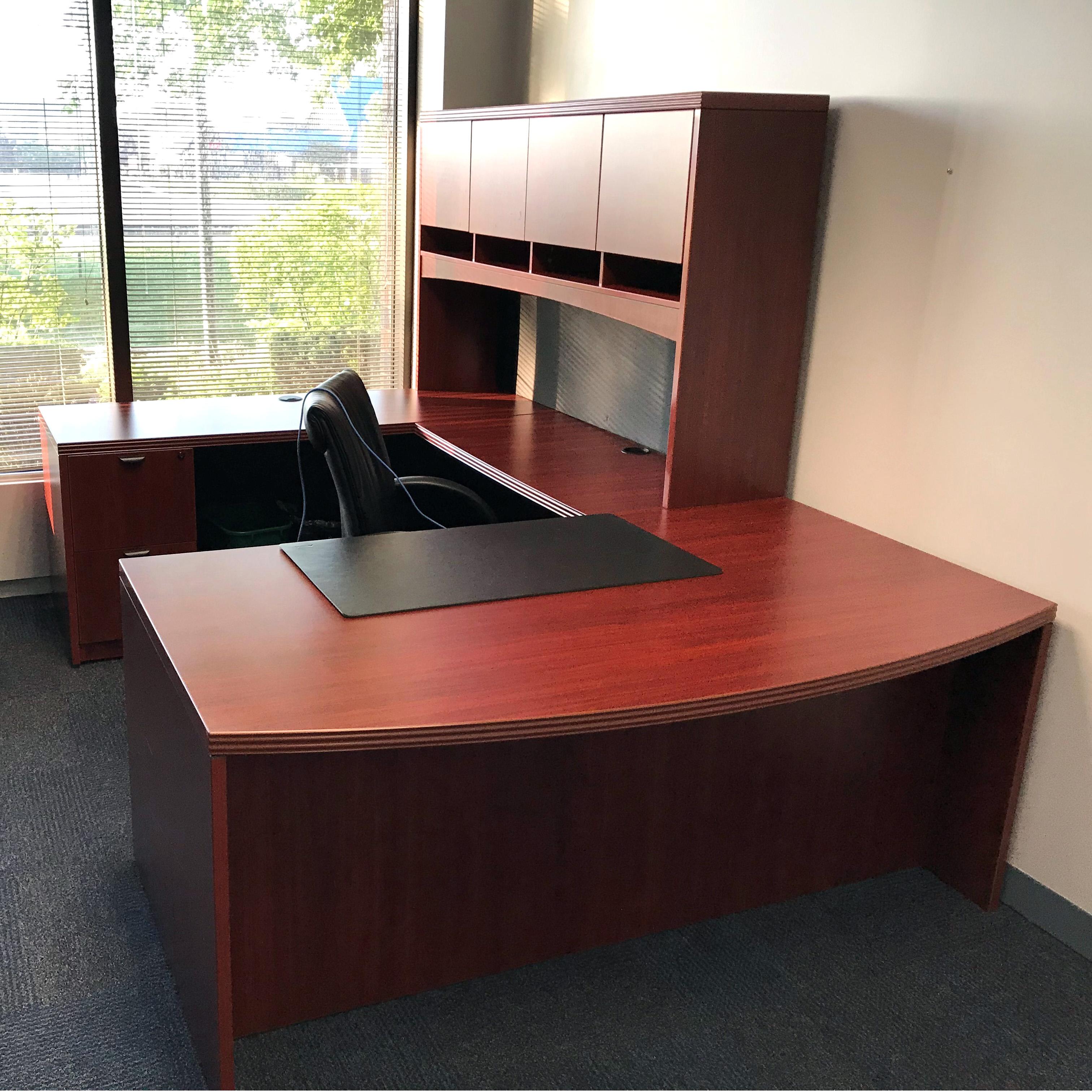 Insignia U-Shape Desk w/ Hutch