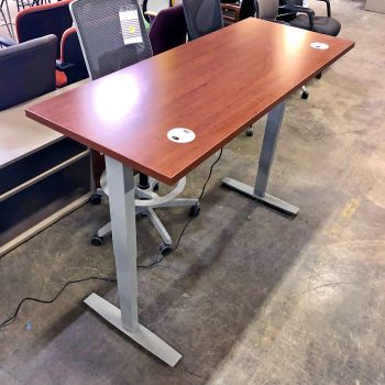 Shaker Cherry Height-Adjustable Table